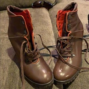 Coach size 8 brown lace up boots